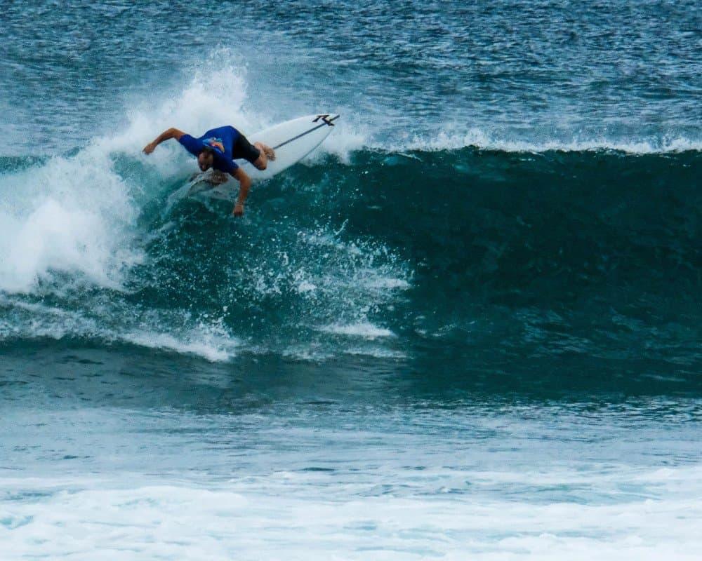 Hikkaduwa surfer