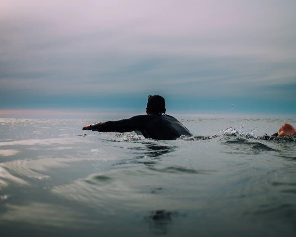 Raglan surfer