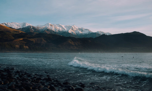 Kaikoura waves and mountains New Zealand