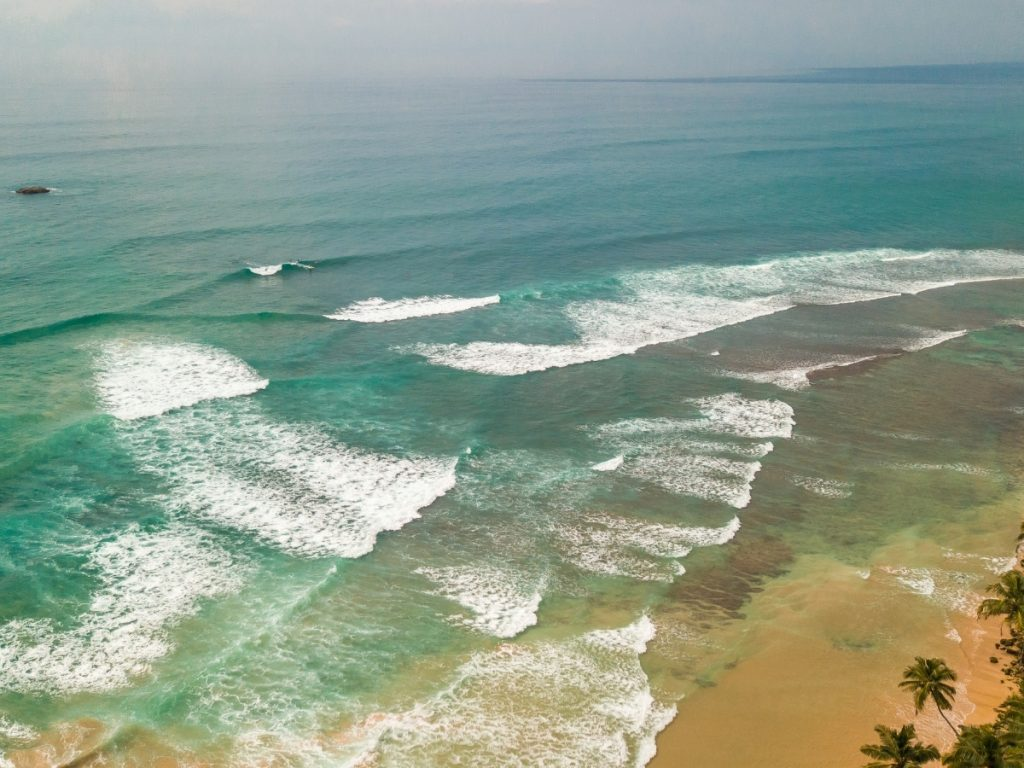 Ahangama surf