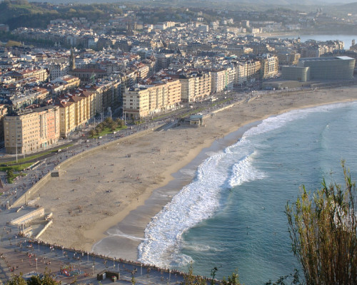 San Sebastian waves from above