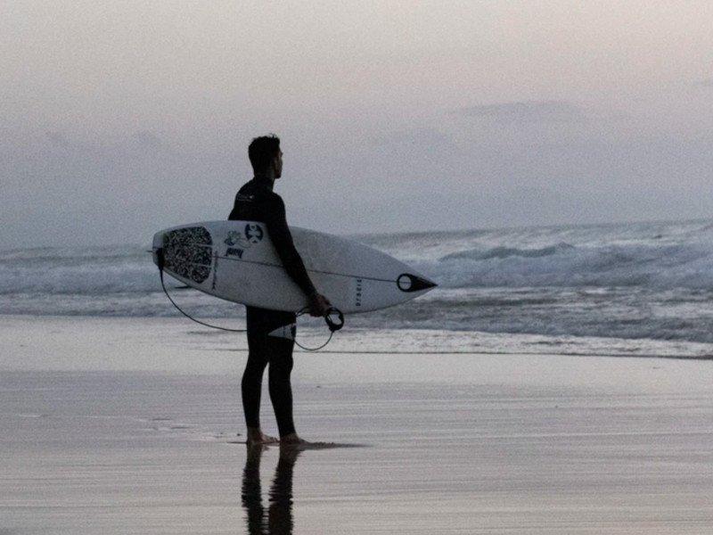 Seignosse surfer