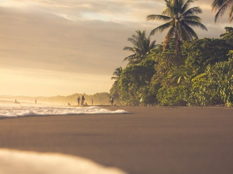 Playa Hermosa waves